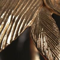 Zoom sur la matière aujourd'hui.⠀⠀⠀⠀⠀⠀⠀⠀⠀ ❤️ Parce que, ce que je préfère c'est sculpter, modeler et transformer le métal en une pièce vivante et vibrante ⚡⚡⚡⠀⠀⠀⠀⠀⠀⠀⠀⠀ .⠀⠀⠀⠀⠀⠀⠀⠀⠀ .⠀⠀⠀⠀⠀⠀⠀⠀⠀ #sculpture #bronze #creationfrancaise #artisanat #art #createurfrancais #feuille #or #braceletfantaisie #bijouxfantaisiehautdegamme #creatricedebijoux